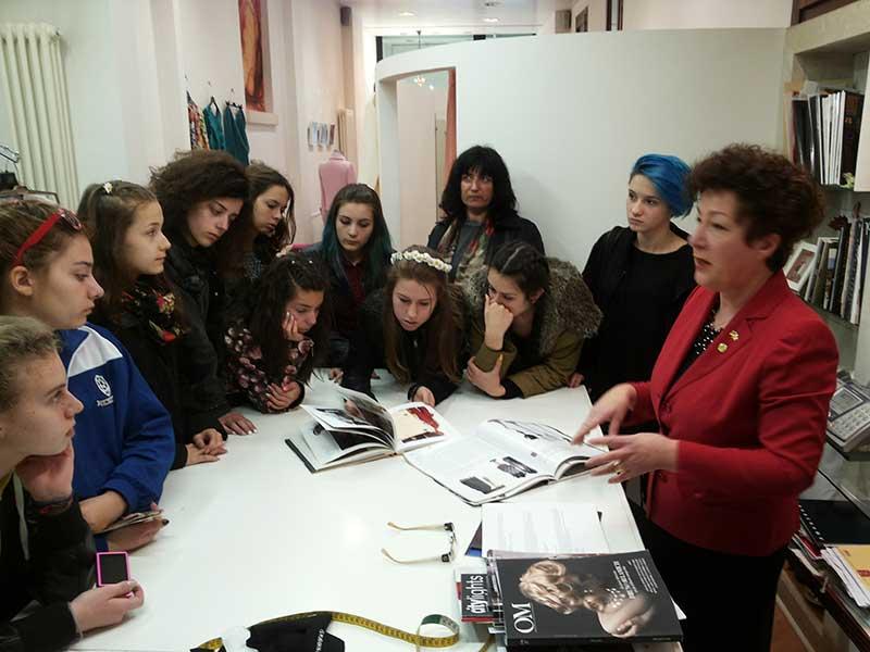 Sartoria Paola Girardi - Una delegazione di studentesse ...