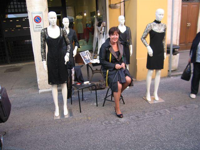 Paola a Mestieri in strada